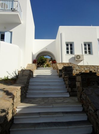 Parian Village: de trappen van 't hotel
