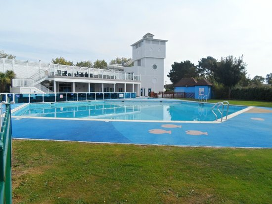 Seasonal outdoor pool picture of rockley park holiday - Holidays in dorset with swimming pool ...