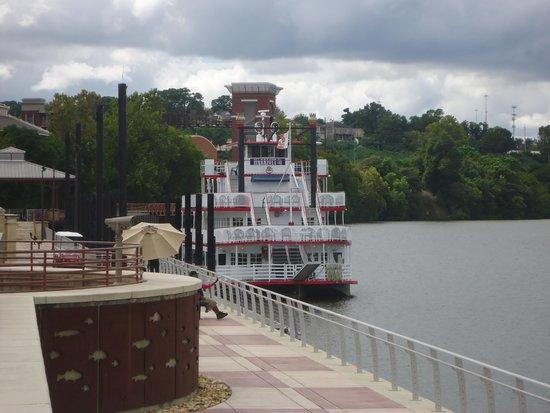 Harriot II Riverboat: Harriott II
