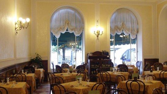 Hotel Excelsior Splendide : Dining room original Victorian style - lovely