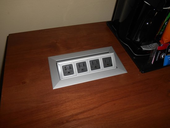 El Dorado Hotel & Spa : Nice charging station for your electronics