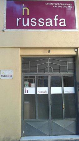 Russafa Youth Hostel: esterno, entrata