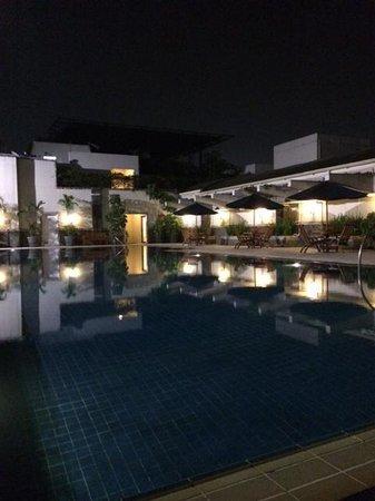 Aryaduta Bandung: pool side at night