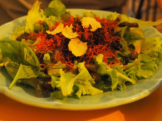 Cacio Vino Trallallà : Shredded horsemeat salad with truffles