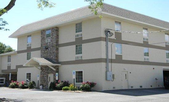 Gamble Farm and Inn Suites