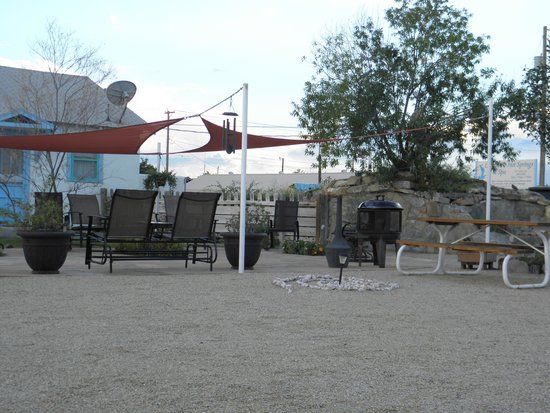 La Paloma Hot Springs & Spa: courtyard