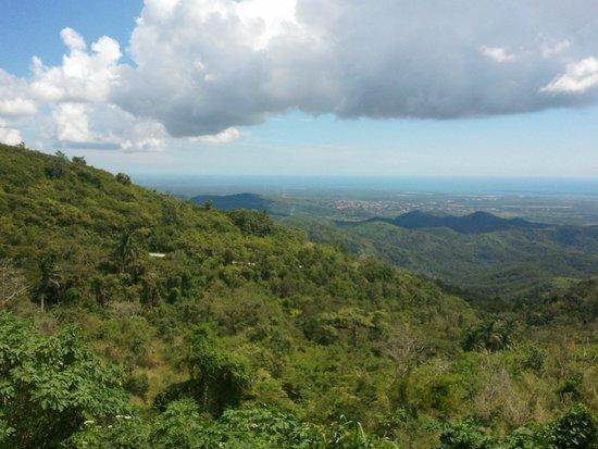 Convento De Santa Clara: Last look over the mountains