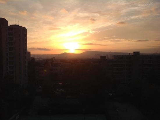 Rooms Rent Vesuvio Bed & Breakfast : Sunset view of Naples from my balcony.
