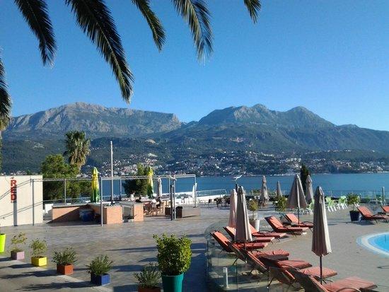 Precise Club Hotel Riviera Montenegro: vue piscine