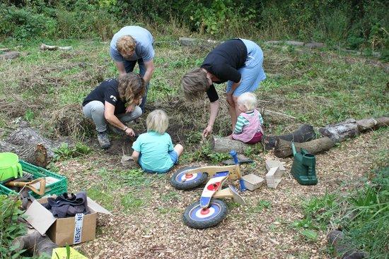 Martineau Gardens: Big Worm Dig!