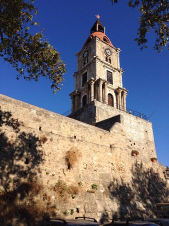 時計塔 - Picture of Roloi Clock Tower, Rhodes Town - TripAdvisor