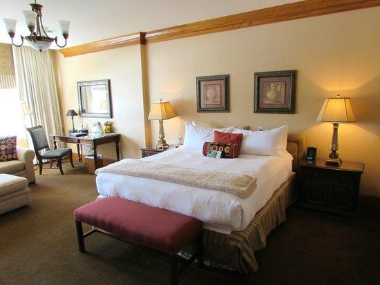 Haywood Park Hotel: King Room