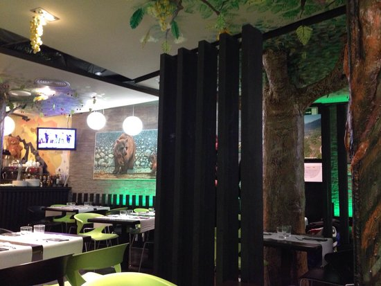 Restaurante Pizzeria Oco: Deciracion interior.