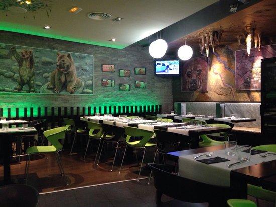Decoraci n interior fotograf a de restaurante pizzeria for Decoracion pizzeria