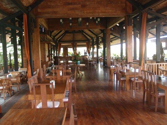 Hotel Puri Bambu: restaurant area