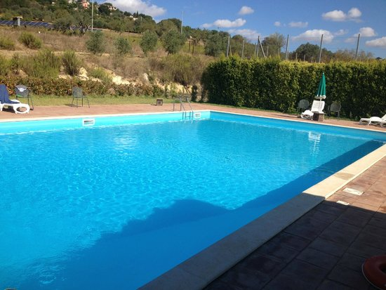 Farm Il Casale delle Rose : piscina