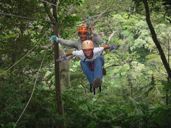 """Costa Rica Private Tours: """"Superman"""" Zip-Lining"""