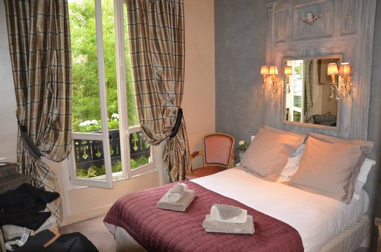 Un Ciel a Paris: our beautiful room