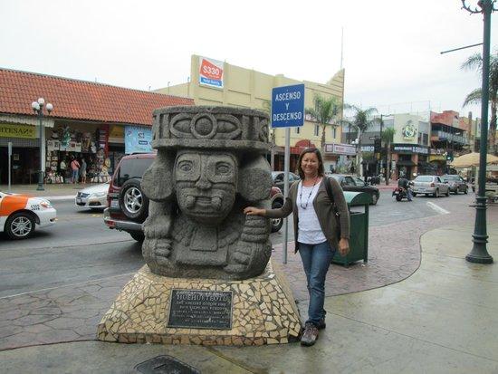 Avenida Revolucion : Avenida Revolución     Revolution Avenue, Tijuana, México