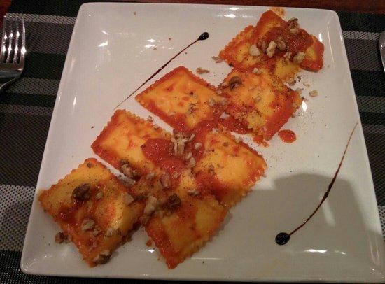 Zeri's Restaurant: revioli by Zeri's