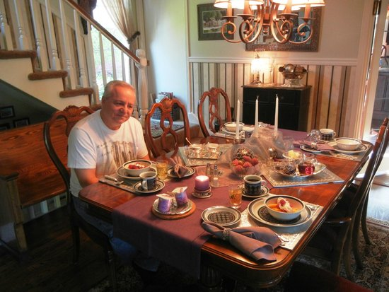 A Good Knight Bed and Breakfast Victoria BC Canada