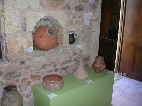 Olive Tree Museum of Vouves: the jar of cold water