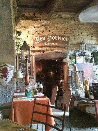 Lou Portaou: L entrée