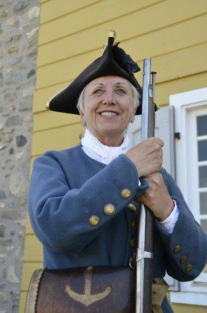 Le site historique national de la Forteresse de Louisbourg : Canoneer Linda