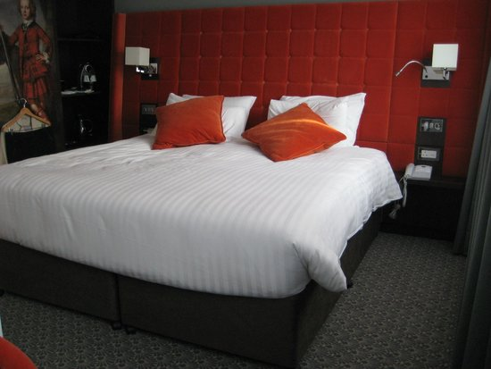 Mercure Edinburgh City - Princes Street Hotel: Room