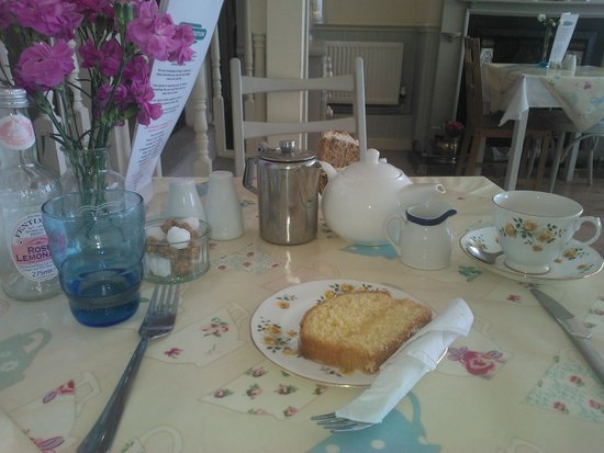 The Tea Station: Cake!