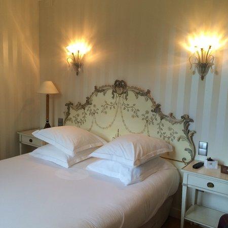 Le Chateau de Beaulieu: Second room on 1st floor - great views