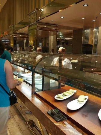 The Buffet at Wynn : attentive staff