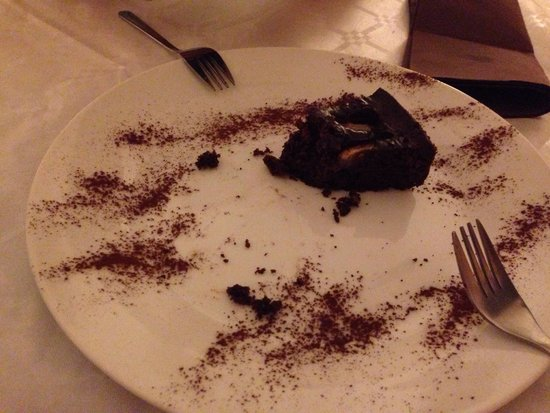 Soloperpassione osteria tipica toscana: Chocolate cake with pears - very bad