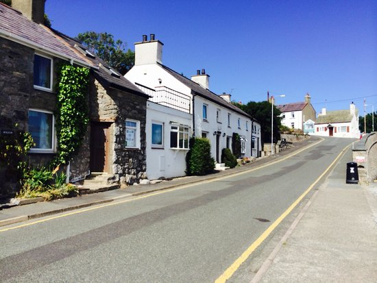 The Crown & Anchor Cottages