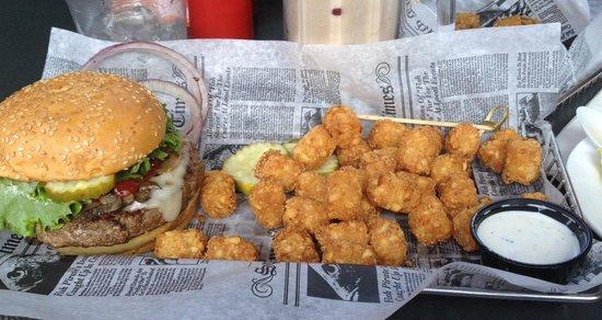 Burger & tater tos