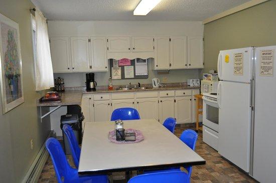 Laura's Lodge: Kitchen