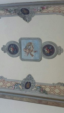 Palazzo Bruchi: Our bedroom ceiling