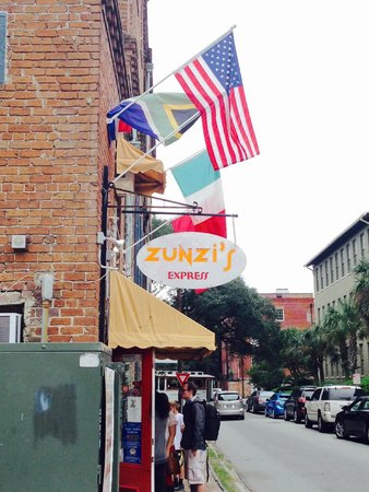 Zunzi's Take Out : Zunzi's Exterior.