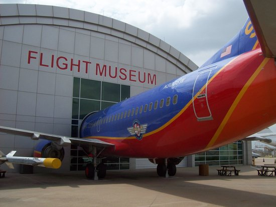 Frontiers of Flight Museum: 737