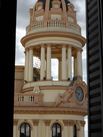 Hostal Miami: justo delante