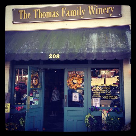 ‪Thomas Family Winery‬