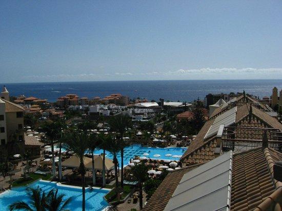 GF Gran Costa Adeje: View from roof top pool