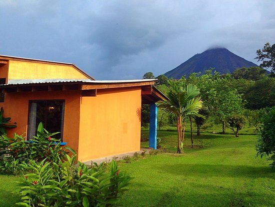 Erupciones Inn Bed & Breakfast: Our bungalow with a view