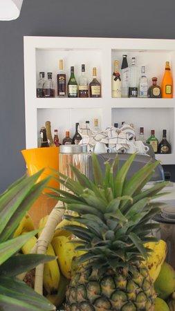Eze Beach Bar Restaurant: Bar
