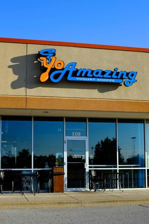 ‪YoAmazing Yogurt Shoppe‬