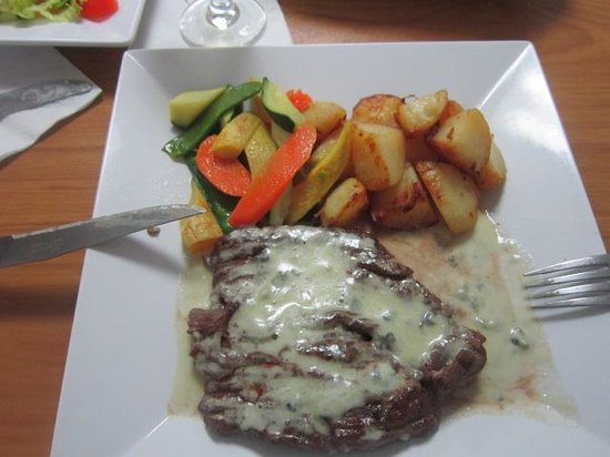 French Deli & Gourmet Shop : Lunch Special Skirt Steak w Veg and Pot