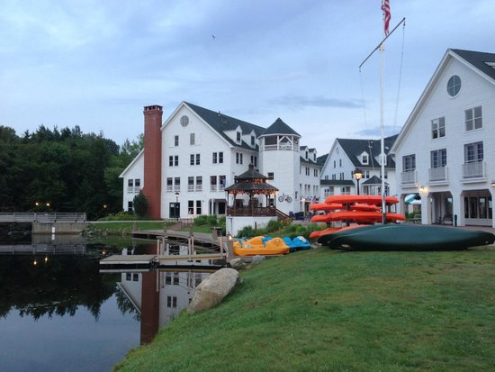 Town Square Condominiums at Waterville Valley Resort : Town Square & Pond