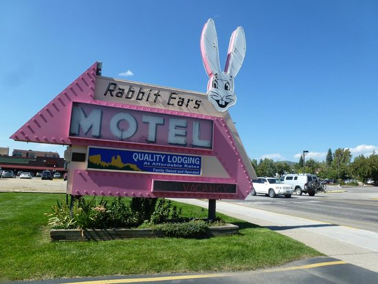 Rabbit Ears Motel: Rabbit Ears historic sign.