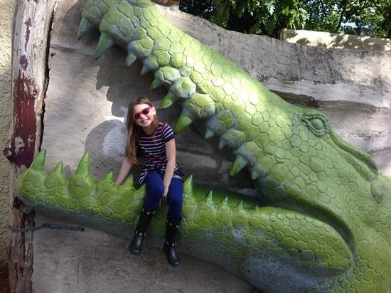 Drayton Manor : in the zoo we almost got eaten by a crocodile !