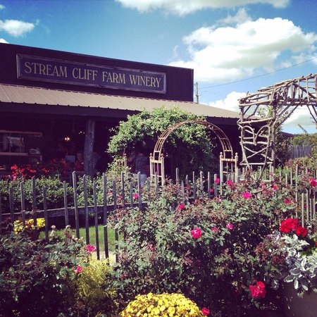 Stream Cliff Herb Farm and Winery: Stream Cliff Winery - September 2014